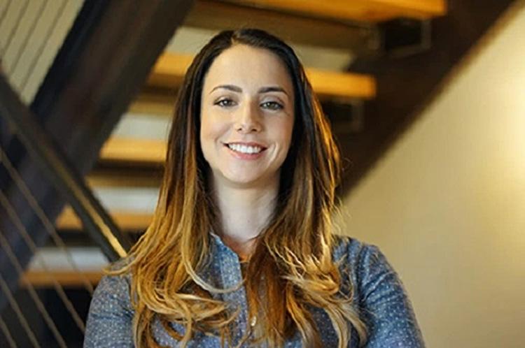Анна Свит — исполнительный директор Bad Robot Games
