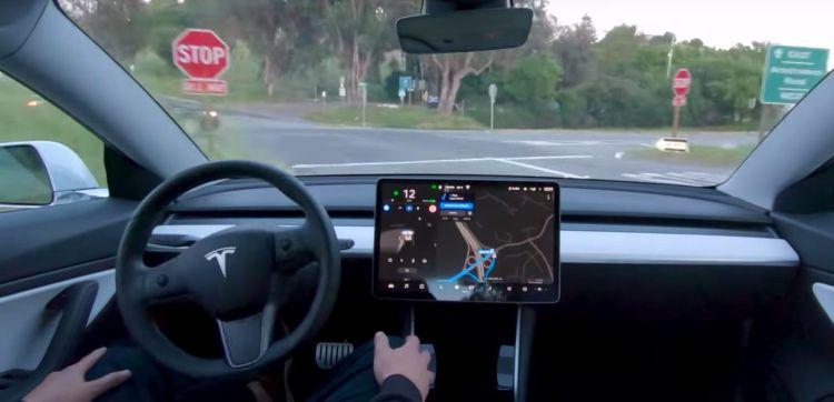 Tesla предложит автопилот по подписке с регулярной абонентской платой