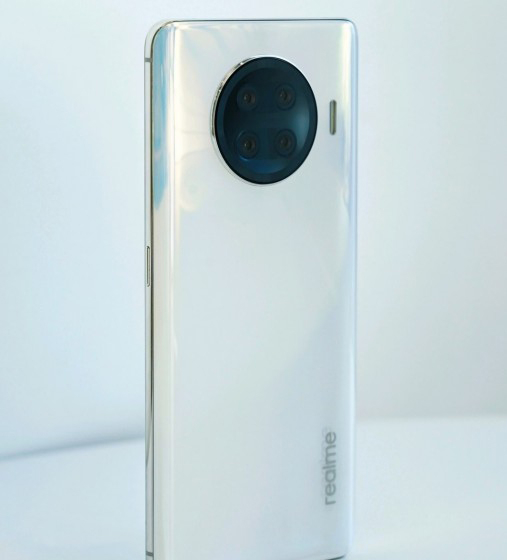 Realme до конца зимы выпустит флагманский смартфон на Snapdragon 888 в совершенно новом семействе