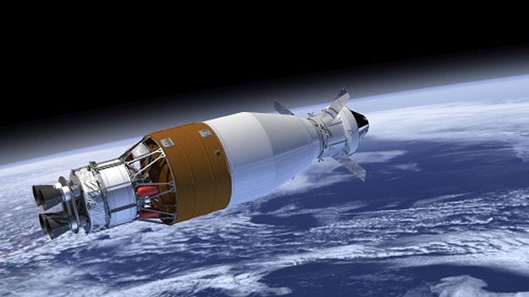 Вторая ступень SLS с пристыкованным пилотируемым корблём Orion в представлении художника. Источник изображения: Boeing