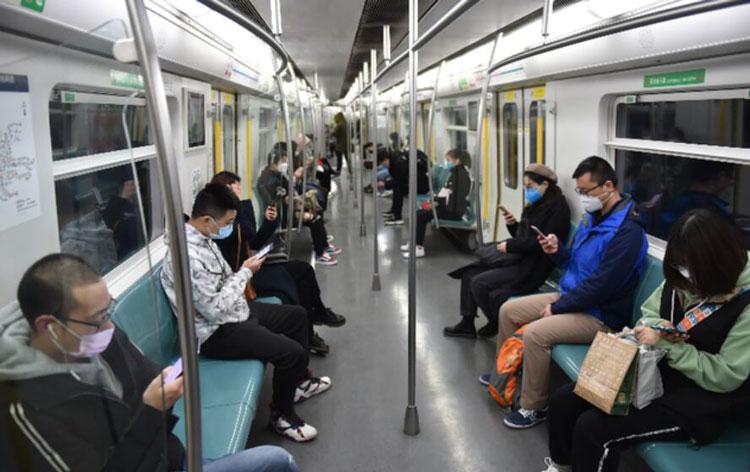 """Внедрение 5G сократит интервал движения поездов пекинского метро на 10 %"""""""