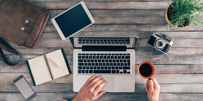 Рецензента и журналиста объединяют инструменты, но работа чуть ли не противоположна