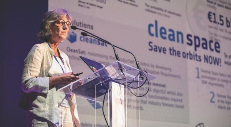 Глава инициативы ЕКА по чистому космосу Луиза Инноченти. Источник изображения: ESA/SJM