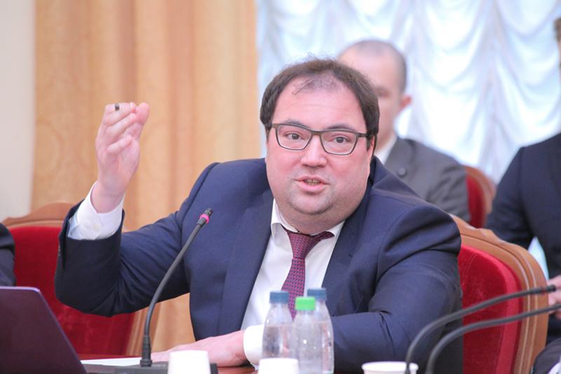 Министр цифрового развития и связи России Максут Шадаев (источник фото: пресс-служба Минцифры России)
