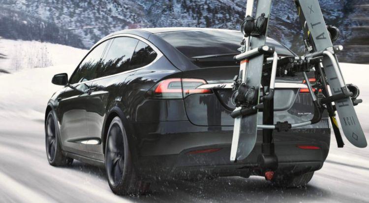"""Для стимулирования продаж до конца года Tesla дарит трёхмесячную подписку на автопилот"""""""