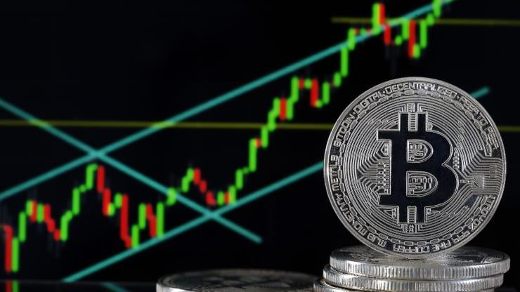 Объём криптовалютного рынка впервые превысил $1 трлн на фоне нового рекорда курса биткоина