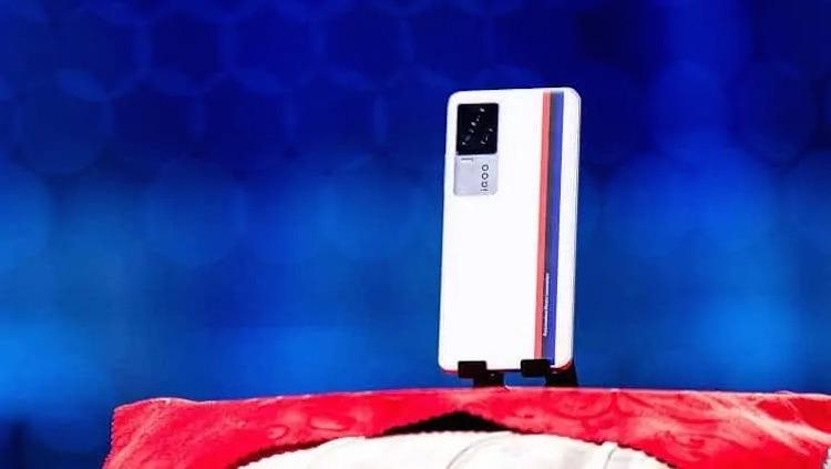 Флагманский смартфон IQOO 7 получит мощную систему жидкостного охлаждения