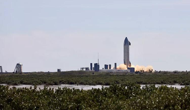 Испытательный полёт Starship SN9 задержится: SpaceX заменит два двигателя прототипа