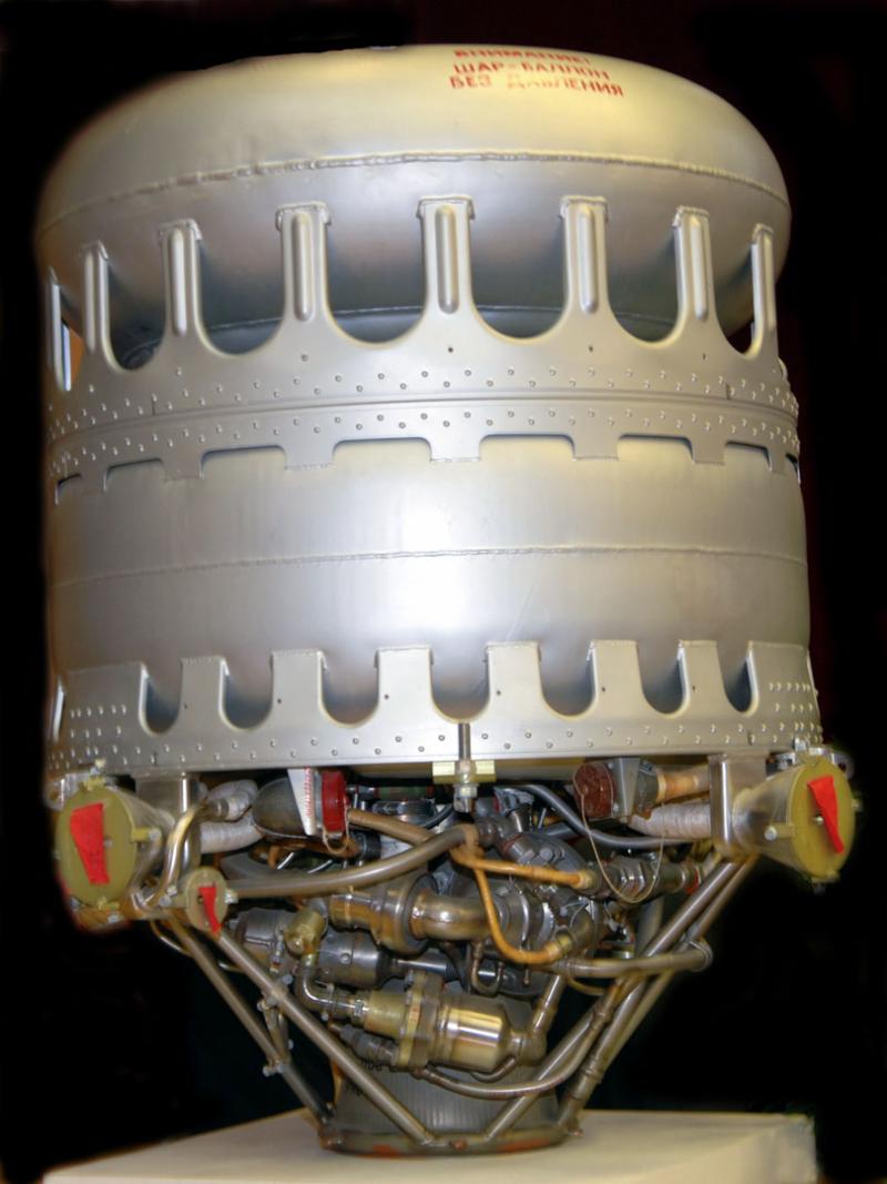 Единственной советской жидкостной двигательной установкой, которую в самом начале 1960-х научились включать после длительного полета в космосе, была ТДУ-1 корабля «Восток». Источник: https://cont.ws/@hodanov/1524927/full
