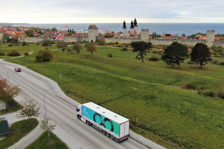 Электрический грузовик Scania AB на трассе. Источник изображения: