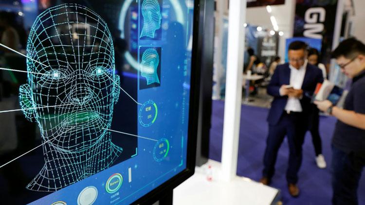 ИИ в технологической инфраструктуре Китая станет одной из семи отраслей для массивных инвестиций. Источник изображения: Reuters