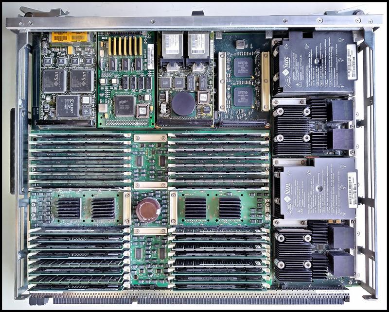 Sun Enterprise 10000: четыре процессора UltraSPARC-II, 400 МГц, 8 Мбайт кеша, 2 Гбайт оперативной памяти