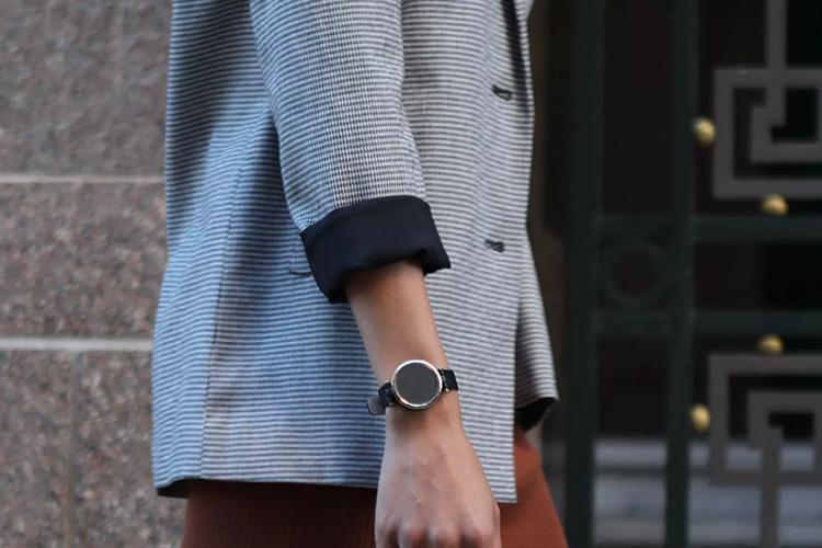 Garmin представила Lily  компактные умные часы, которые созданы специально для женщин