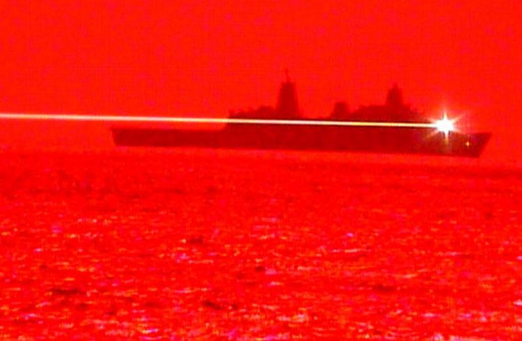 Испытание твердотельного боевого лазера. Источник изображения: US Navy