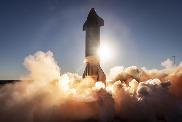 SpaceX ускоряется: на стартовых площадках стоят два прототипа Starship одновременно