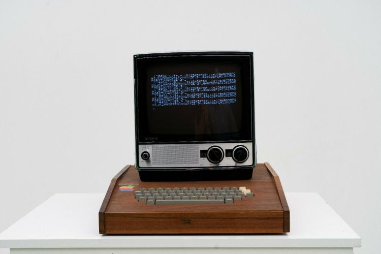 """На Ebay выложили рабочий образец компьютера Apple 1 за $1,5 млн"""""""