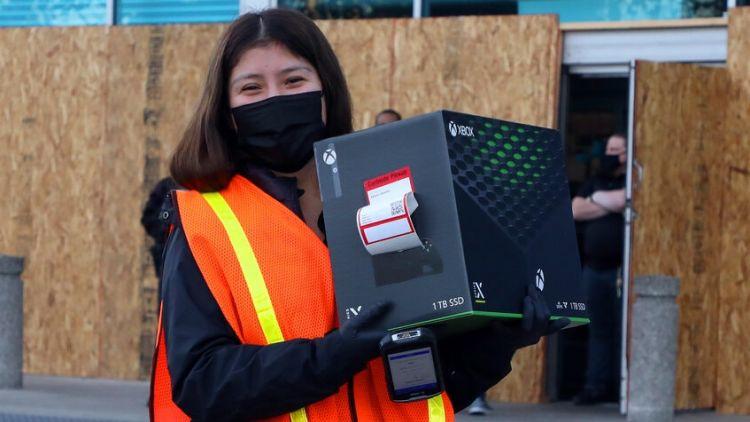 Microsoft призывает смириться с дефицитом игровых консолей Xbox до июня