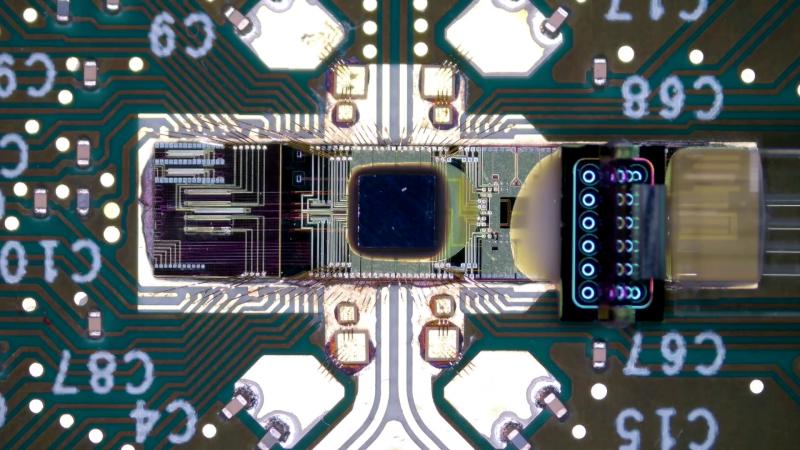 Фотоника в исполнении Intel