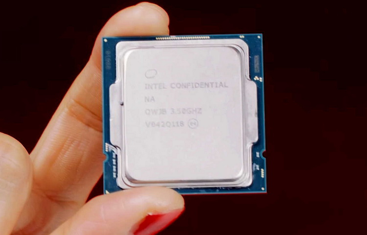 Core i9-11900K was compared with Ryzen 7 5800X. Intel chip won in synthetics, AMD won in games.