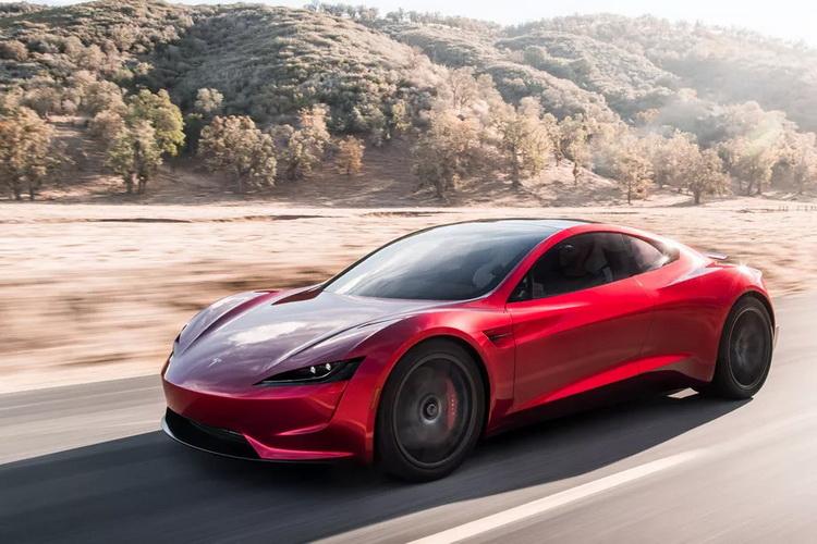"""Илон Маск признался, что хотел бы научить спорткар Tesla Roadster парить над землёй"""""""