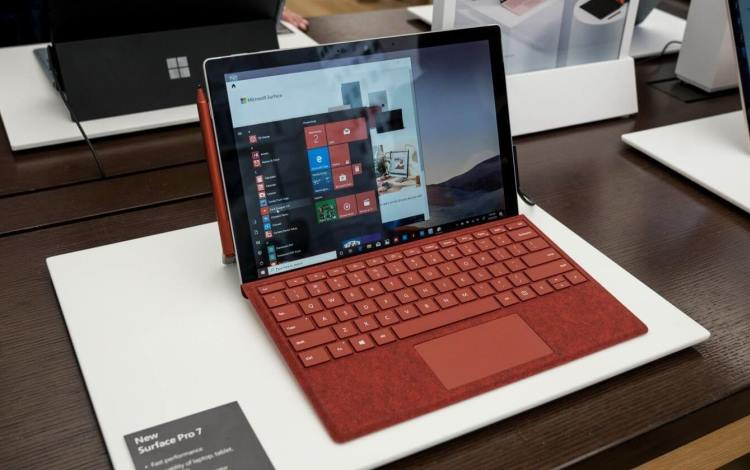 """Microsoft перевыпустила обновление, которое подготовит компьютеры к переходу на Windows 10 21H1"""""""