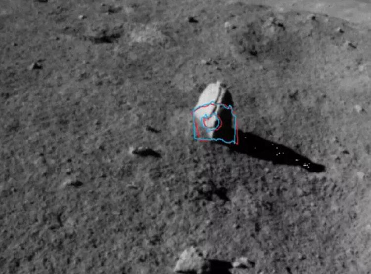 """Китайский луноход Yutu-2 обнаружил «километровый столбик» на обратной стороне Луны"""""""