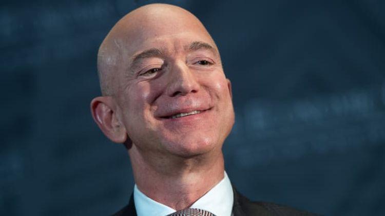 Основатель Amazon Джефф Безос вернул себе титул богатейшего человека планеты