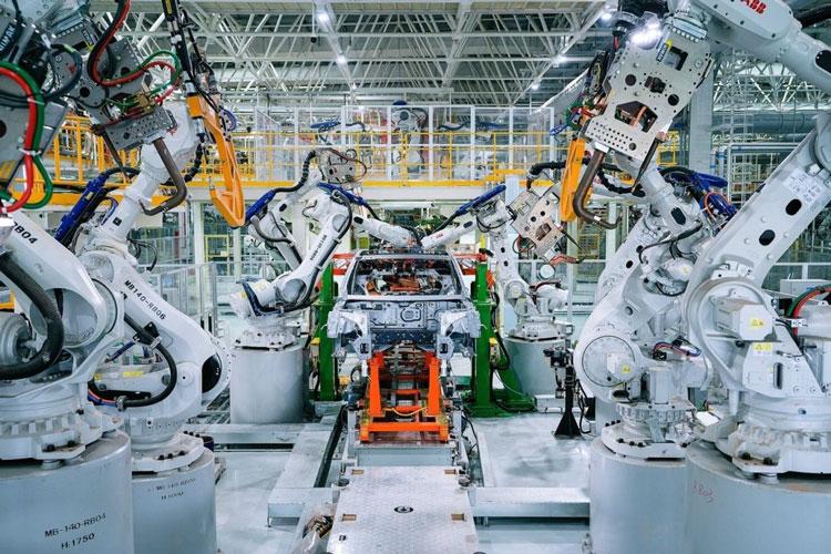 Полностью автоматизированное производство электрокаров компании Xpeng. Источник изображения: