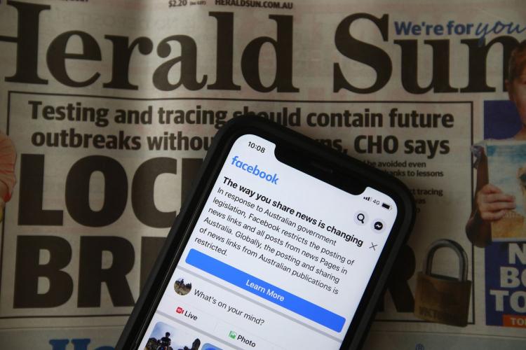 Facebook и правительство Австралии решили договориться, как быть со ссылками на новости