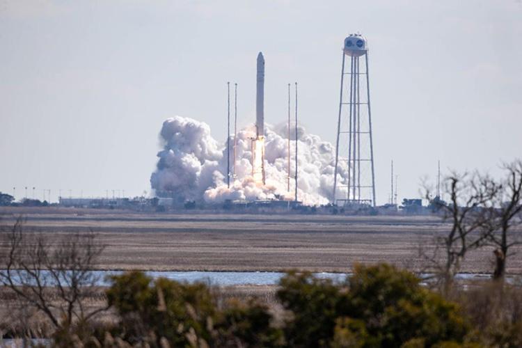"""Видео старта и подробности миссии грузового корабля Cygnus к МКС"""""""