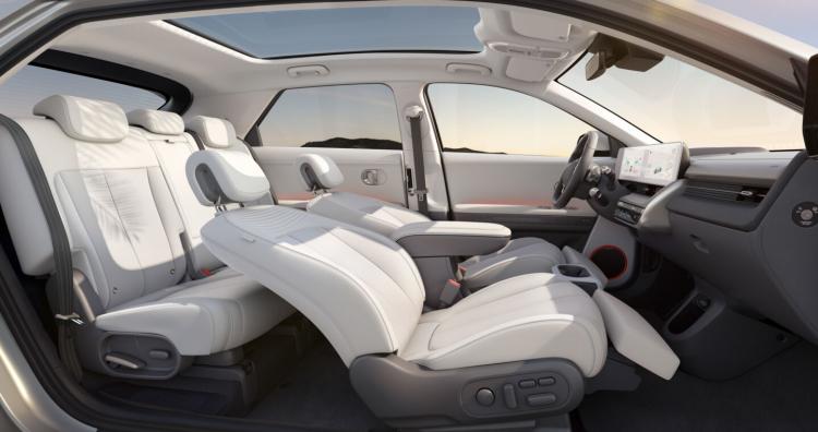Hyundai представила свой первый серийный электромобиль Ioniq 5 со сверхбыстрой зарядкой