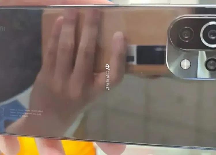 Xiaomi Mi 11 Lite внешне будет похож на Mi 11 и получит новый процессор Snapdragon 775