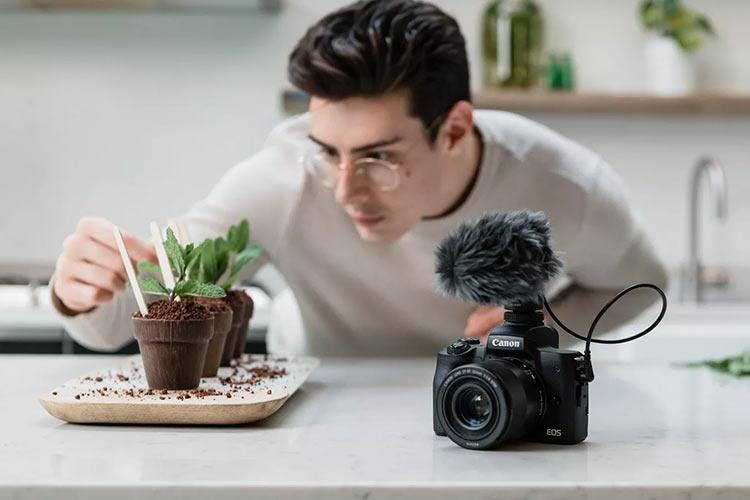 Canon скоро выпустит в России беззеркалку EOS M50 Mark II для блогеров с поддержкой вертикальных видео