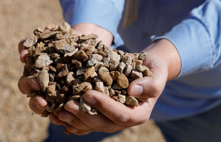 Руда с редкоземельными минералами. Источник изображения:  Reuters