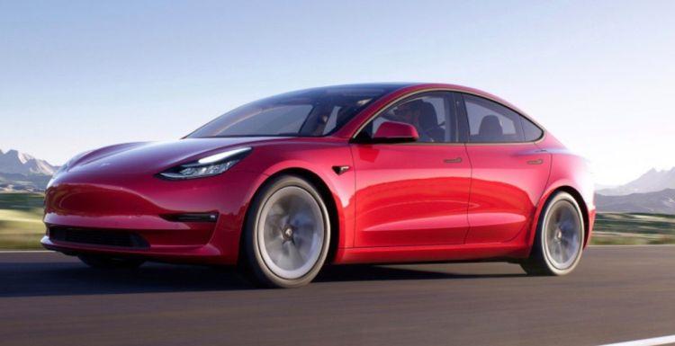 """Продажи Tesla рухнули в Европе— покупатели стали выбирать электрокары других производителей"""""""