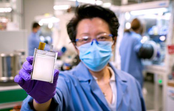 """Литий-металлические батареи стартапа SES позволят GM значительно снизить вес электромобилей"""""""