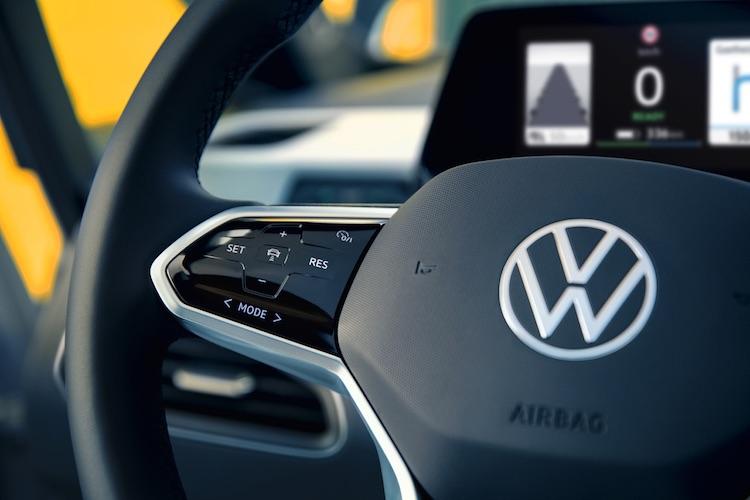 Акции Volkswagen взлетели почти на треть после обещания обогнать Tesla к средине десятилетия