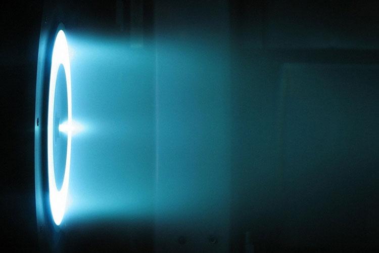Пример работы ионного ракетного двигателя. Источник изображения: NASA