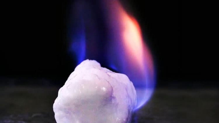 Пример горения гидрата метана