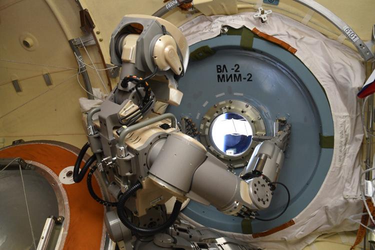 Раскрыта конфигурация робота «Теледроид» для открытого космоса