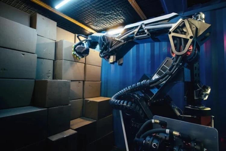 «Почта России» попросила у Boston Dynamics нового робота-грузчика для тестов