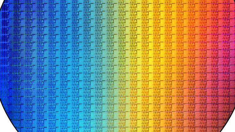 Кремниевая пластина с чипами. Источник изображения: Intel
