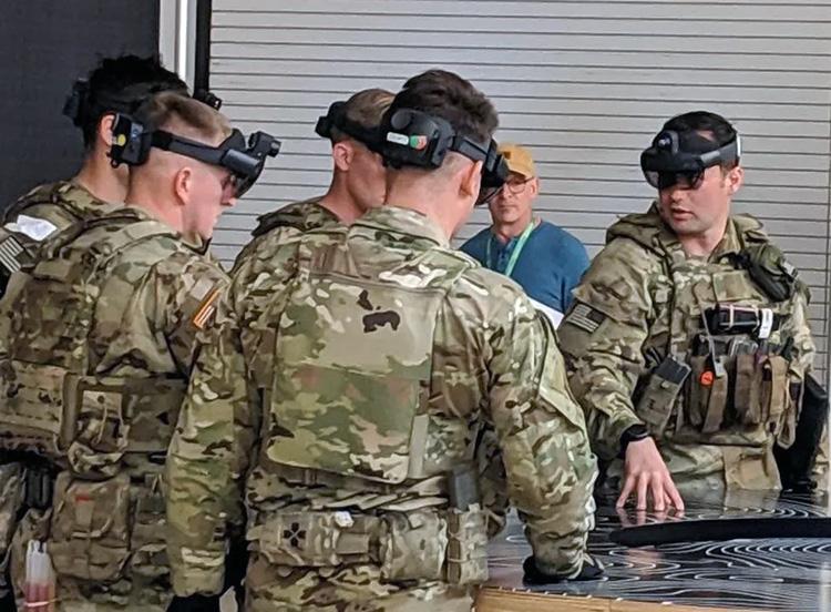 Ранний прототип гарнитуры IVAS (US Army)