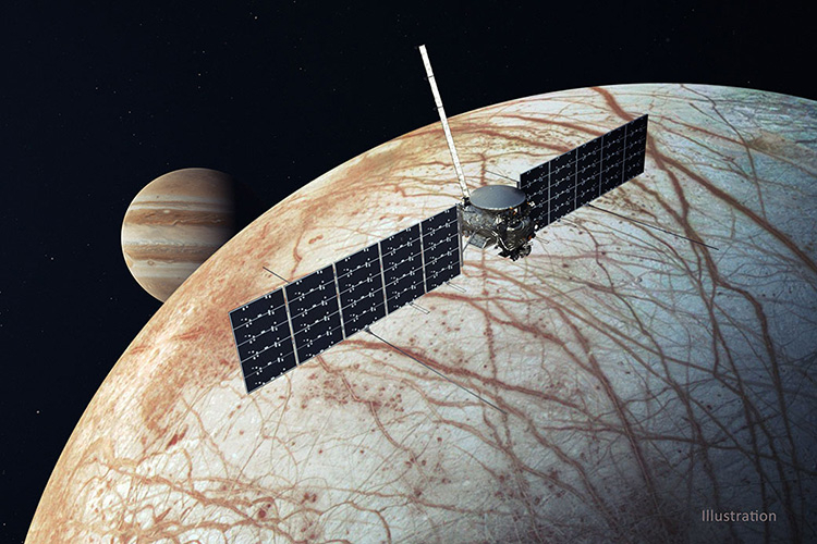 Иллюстрация — зонд Europa Clipper у спутника Юпитера (NASA / JPL)