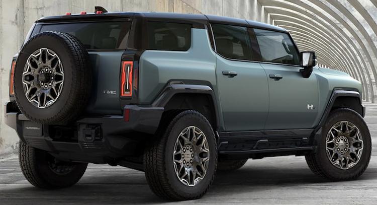 Электрический внедорожник Hummer EV SUV мощностью 830 лошадиных сил получил запас хода почти 500 км