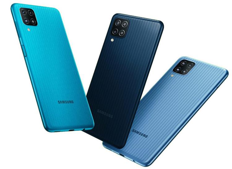 Samsung представила Galaxy F12  смартфон за $150 с квадрокамерой и мощной батареей