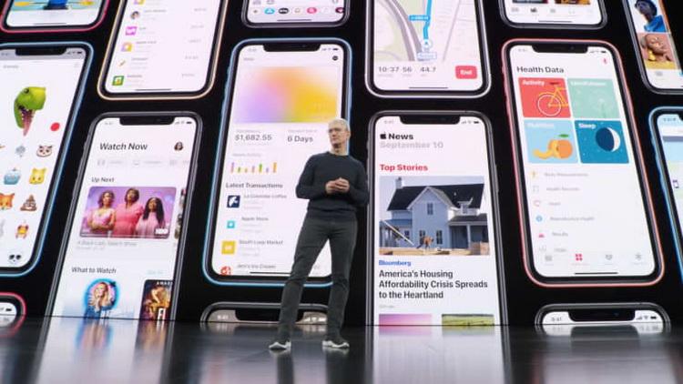 Тим Кук намекнул на планы Apple в сфере автомобилей и восхитился успехами Tesla