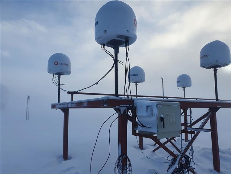 """OneWeb построит три наземные станции в России, чтобы законно предоставлять доступ к спутниковому интернету"""""""