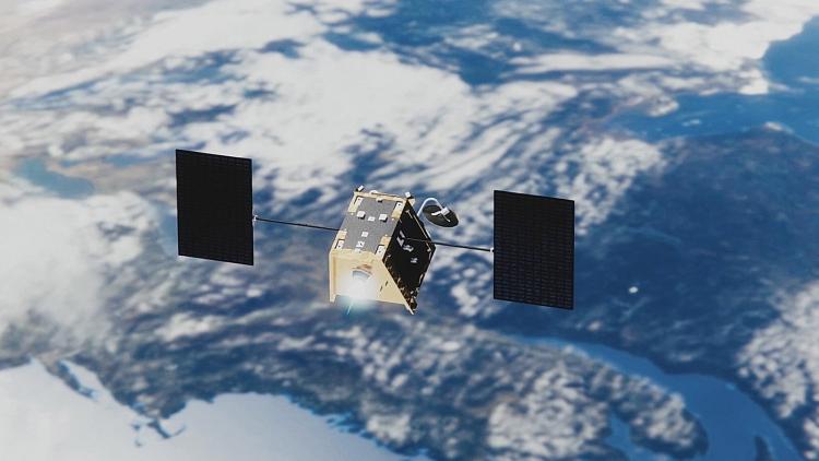 Один из спутников группировки OneWeb на орбите вокруг Земли (OneWeb)