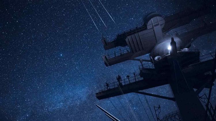 Авианосец USS Ronald Reagan на фоне звёзд. Источник изображения: U.S. Navy